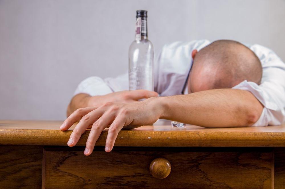 Hjælp dine nærmeste og kæreste med en professionel alkoholbehandling